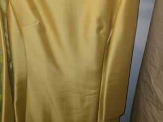 lADIES RETRO DRESS  Gold in Color  Size 12