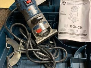 A Bosch palm router