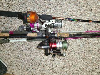 5 FISHING RODS