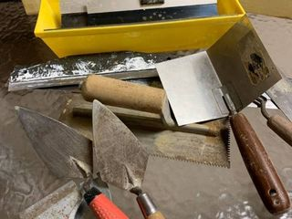 Assorted trowels and scrapers
