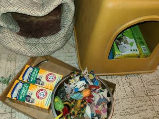 Cat litter Box   Toys  2 Beds and Cat Box deodorant