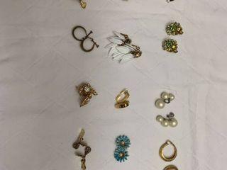 ladies jewelry  15 clip earrings