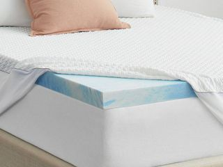 3  SealyChill Gel Memory Foam Mattress Topper with Cover  Retail 179 99