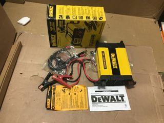 DEWAlT 1000 Watt Power Inverter in good condition