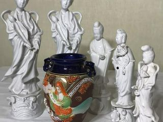 6  Pieces of Oriental Porcelain