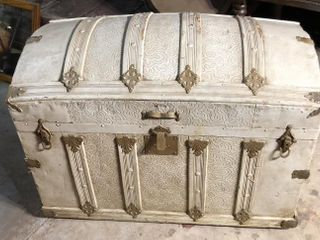 Camel Back Steamer Trunk w  Insert