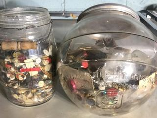 Nabisco Jar and Barrel Jar w  Buttons