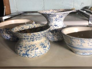 4 Spongeware Blue Bowls and Pots
