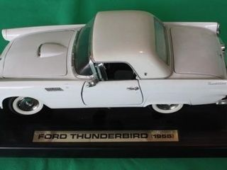 1955 Ford Thunderbird SS  1 18 Scale