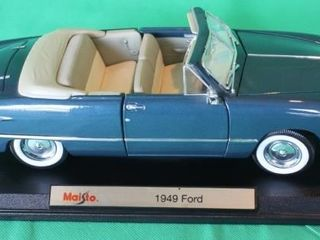 1949 Ford  1 18 Scale  Platform Base Included