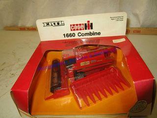 CASE IH 1660 COMBINE