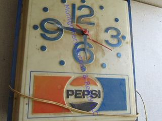 lIGHTED PEPSI SIGN