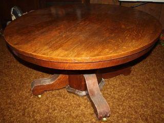 Vintage Round Oak Pedestal Dining Table