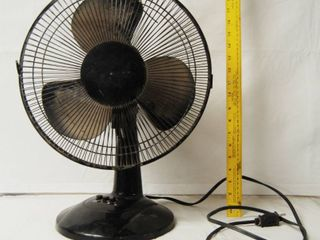 Black 3 Speed Table Fan  Model   FT30 8MBA