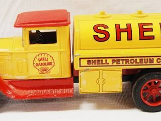 Collectible SHEll Gasoline Truck  Coin Bank   Die Cast Metal