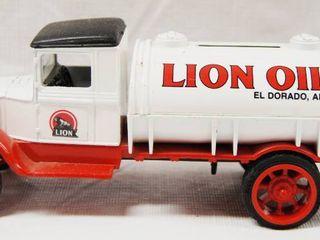 Collectible 1931 Hawkeye lION OIl Tanker  No  1 in Series  Die Cast Metal
