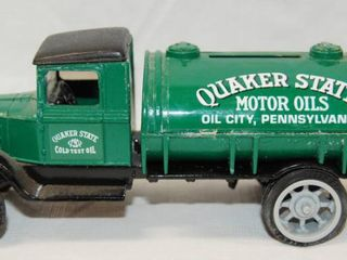 Collectible Quaker State Motor Oils Tanker Truck   Oil City  Pennsylvania  w  locking Coin Bank w  Key  Die Cast Metal