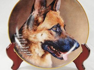 Beautiful limited Edition  German Shepherd Plate w  Stand  Heart of Gold  Plate   J1446 The Danbury Mint