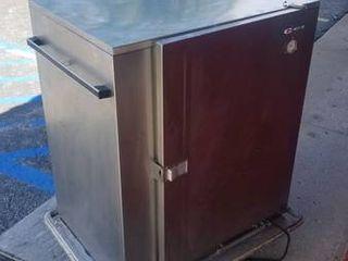 Carter Hoffman BB96E Heated Banquet Cart  120 Plate Serving Capacity