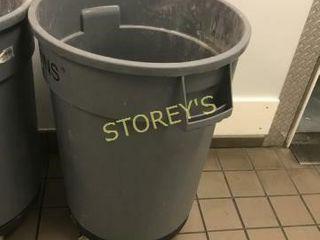 Trash Bin w  Dolly