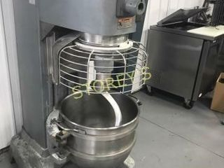 Hobart 60qrt Dough Mixer   Hl662