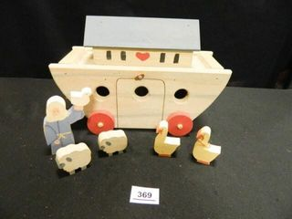 Noah s Ark w  Noah   4 Animals
