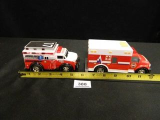 Ambulances   2  Toy Replicas