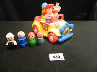 little People  4  Car w 3 Figures