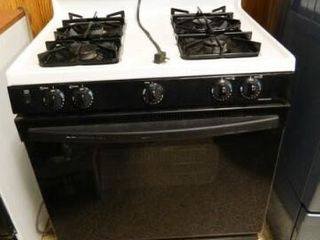 Kenmore Gas Stove w Oven