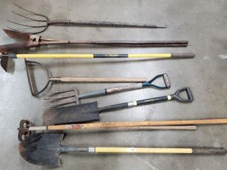 Asst  shovels  rakes  hoes  etc