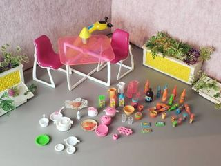 Vintage Barbie Patio Furniture  Patio Floral Decor Pieces and Kitchen   Party Accessories