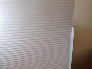white shade blinds
