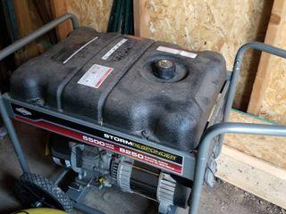 Briggs and Stratton storm responder 5500 watt generator  runs goods