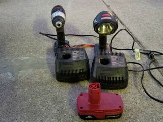Craftsman Power drill and flashlight with charger