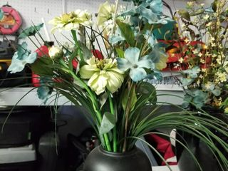floral arrangement w black vase 28 in