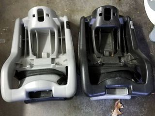 Graco Classic connect infant car seat base set of 2