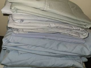 TWIN BEDDING  3  SETS OF BlUE SHEETS