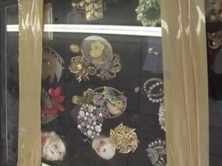 vintage pins and broches