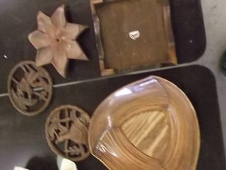 plates and trivets