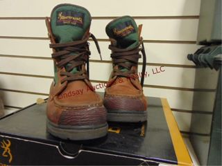 Pair of used Browning boots  size 8