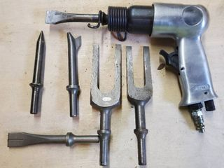 Air Hammer  Pneumatic  with 6 Attachments