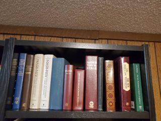 lot of Bibles   Religous Reading Material