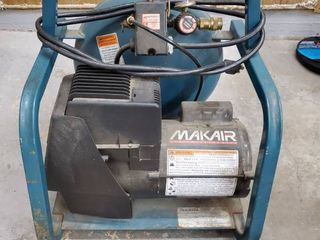 MAKITA 3 5 gallon Air Compressor  Tested and Working