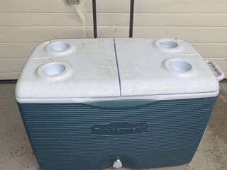 Rubbermaid Rolling Cooler location Storage