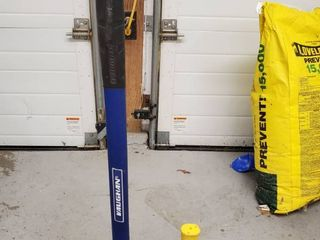 lot of 2  Blue VAUGHN and Yellow STANlEY Sledge Hammers