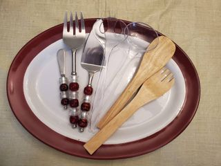 Pampered Chef Burgundy Serving Tray   with 3 Sets of Salad and Serving Utensils