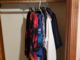 lot of Womans Size large Clothes   Covington  Danskin  Apt 9