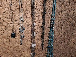 lot of 5 Beaded Fashion Jewelry Necklaces