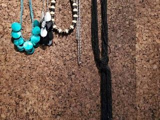 lot of 5 Jewelry Fashion Necklaces