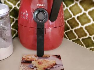 Phillips Red Airfryer with Recipe Book
